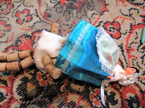 Spanyolbaba tiz török jenért bármire hajlandó, de Dugó Dani inkább bealszik a szőnyegen