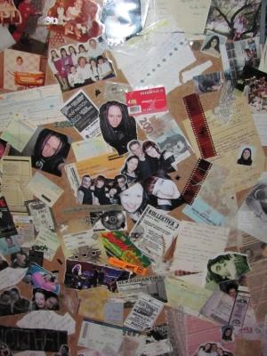 Egy kis dekor: az életrajzfal