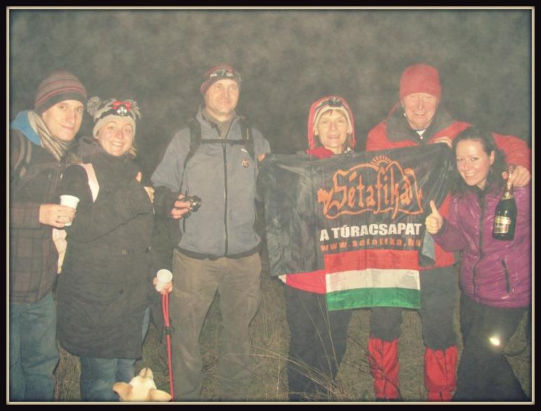 Csapat a csapatban, featuring a köd, 23:59-kor, de a 67 emberes, 2 kutyás képeket is várom!