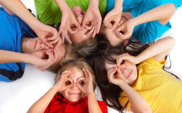 Boldog élete lehet az anyagi érdekek mentén vállalt gyerekeknek.... kép: scottishkidsshow.com