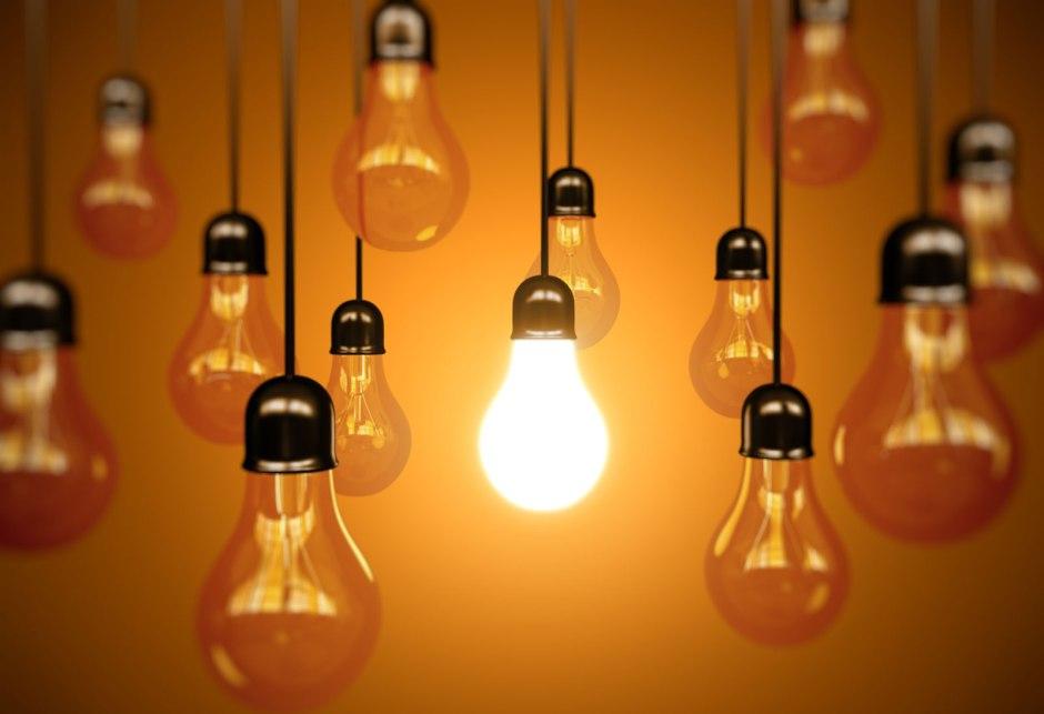 """""""Hisz senki sem gyújt lámpást, s teszi azt véka alá, sem nem teszi azt rejtett helyre, hanem gyertyatartóba teszi azt, hogy mindenki, aki bemegy és kijön, lássa annak a fényét. (Mt 10,27; 5,15; Lk 11,33)"""" - kép: groveland.spps.org"""