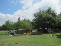 Csendélet sátorral